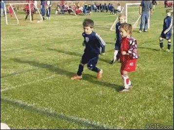 Родня играть в футбол не мешает