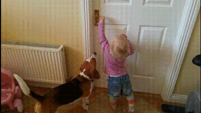 А подрастешь, будешь мне холодильник открывать