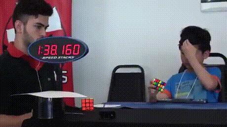 Кубик рубика с закрытыми глазами... На время
